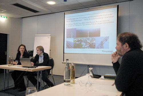 Astrid Schneider (Sprecherin der BAG) mit dem Referenten Dr. Michael Sterner vom IWES und rechts im Bild Matthias Schneider (Sprecher BAG)